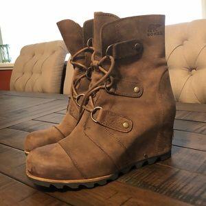 Sorel wedge Joan of arctic boots